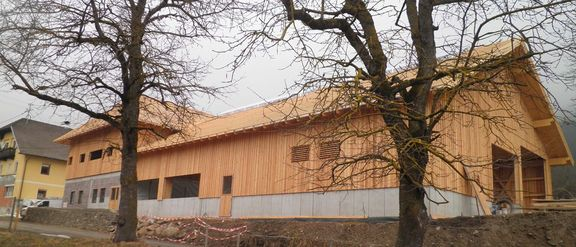 kohlmayr new stable building